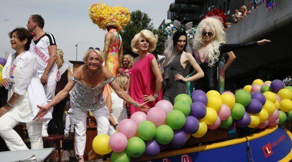 Viola Holt tijdens Canal Parade Gay Pride Amsterdam