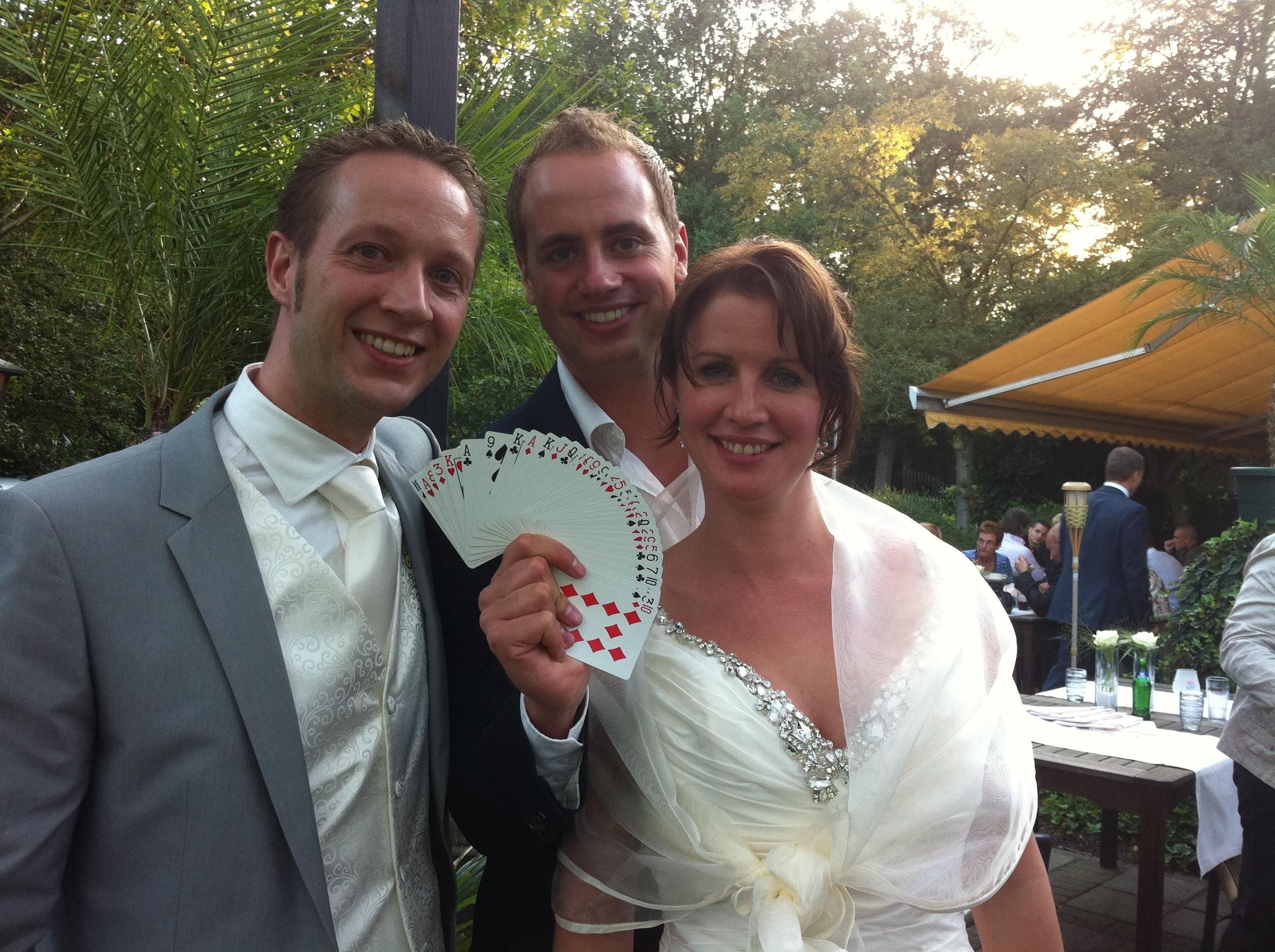 Goochelaar en bruidspaar