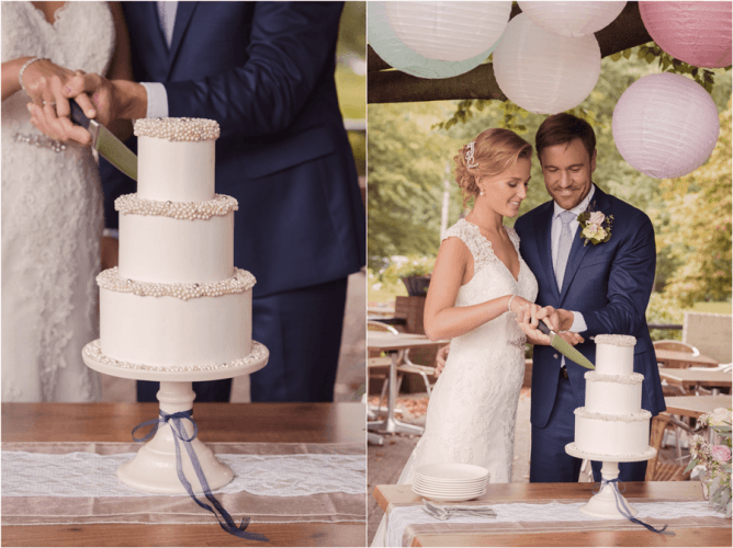 Bruidpaar snijdt een moderne drie laagse bruidstaart