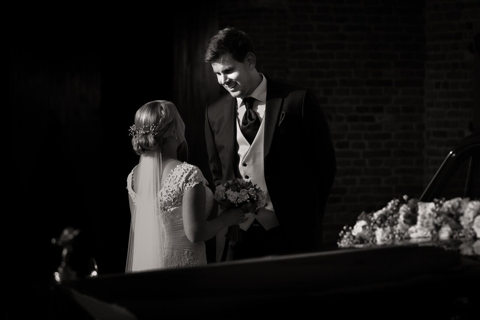 bruidsfotografie-kasteel-trouwen-zwart-wit-foto
